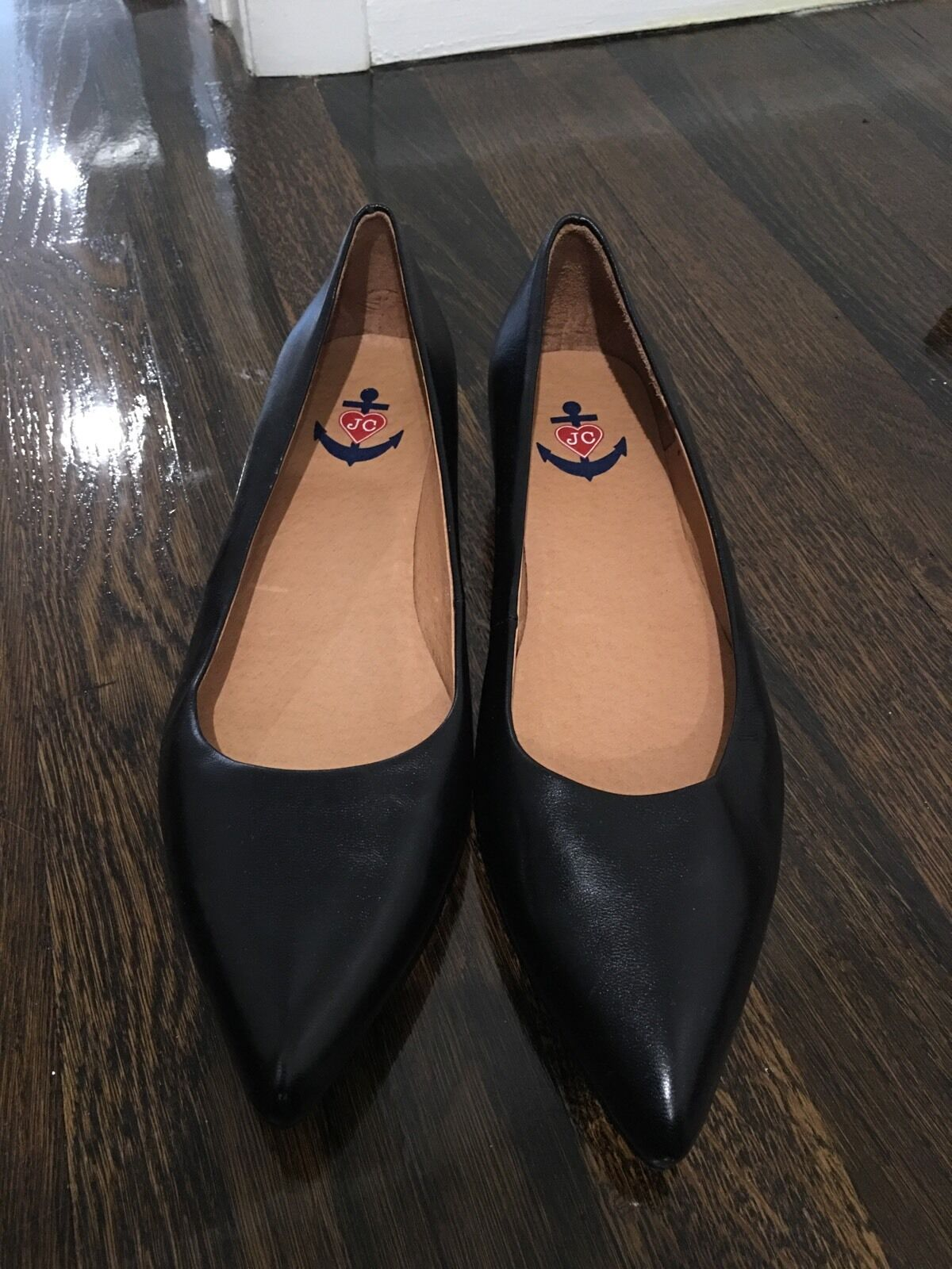 JC Pointy Size 8.5  Black Leather shoes With Small Heel