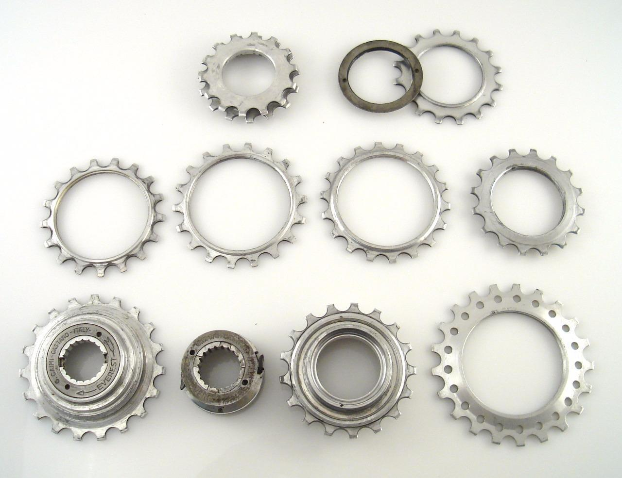 Lightweight 70s EVEREST CAIMI CASTANO Lot of Freewheel Cogs Dural Road bike (F)