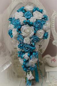 WEDDING-FLOWERS-BRIDES-TEARDROP-IN-TURQUOISE-AND-WHITE