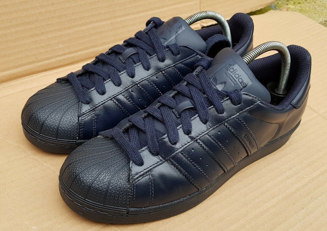 ADIDAS SUPERSTAR PHARRELL WILLIAMS SUPERCOLOUR TRAINERS IN NAVY Blau SIZE 5 UK