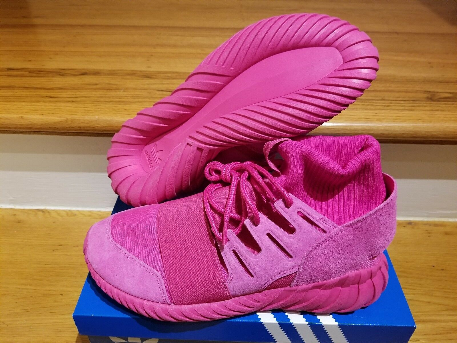 Size 9 Pink ADIDAS TUBULAR DOOM Triple Pink 9 Originals Trainers S74795 3517cb
