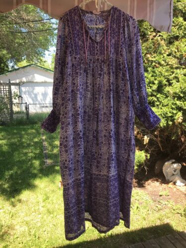 Vintage 70s Purple Floral Cotton Gauze Dress Star