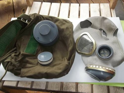 VIETNAM WAR SURPLUS CHINESE M65 GAS MASK, As used by NVA and Viet Cong forces