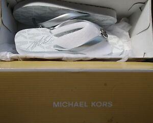 ed5ba9b1c49 NEW IN BOX MICHAEL KORS FLIP FLOP WHITE SILVER MK LOGO WOMENS SIZE 9 ...