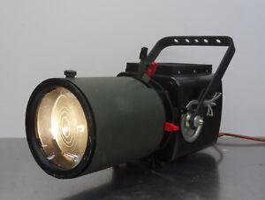 Alter-Filmscheinwerfer-gr-Strahler-Strand-Electrig-England-Buehnenscheinwerfer