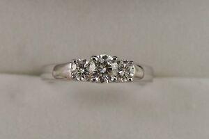 Ladies-Diamond-3-stone-Design-1-10ct-TW-Anniversary-Wedding-Band-14kt-white-Gold