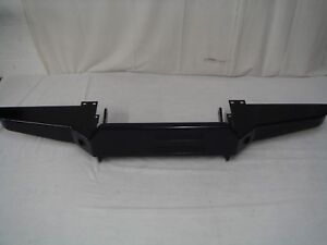 Land-Rover-Defender-winch-bumper-New-Old-Stock-GWK001ACW
