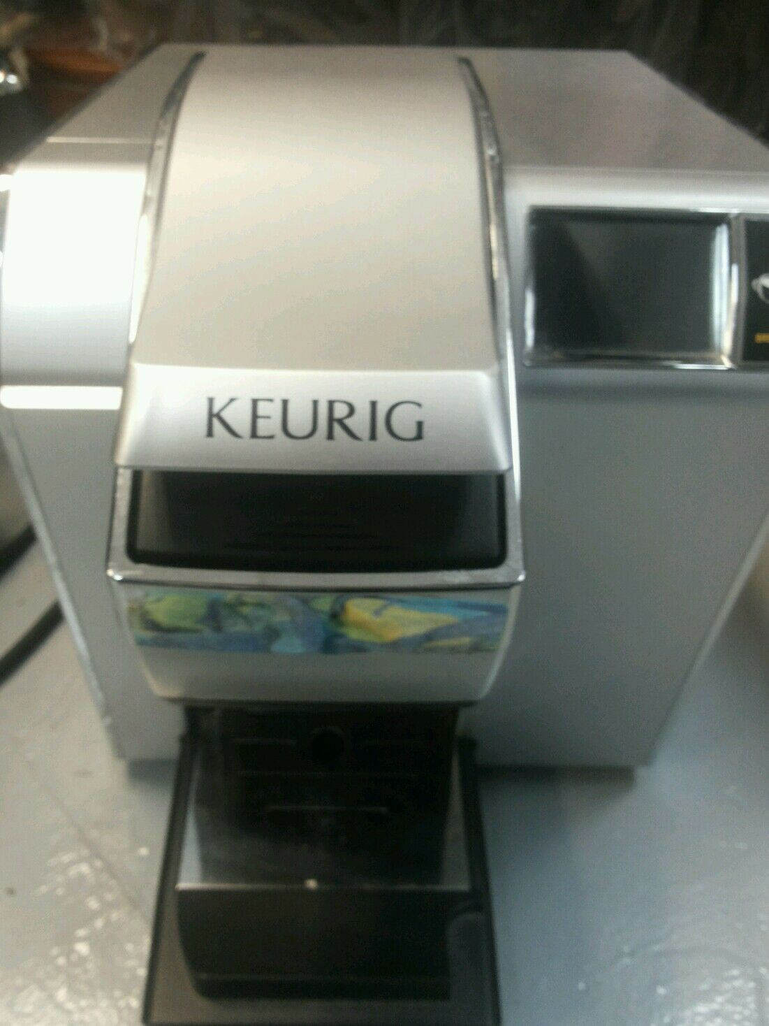 Keurig Vue V1255 Professional Brewing System with MyBrew Technology -Touchscreen