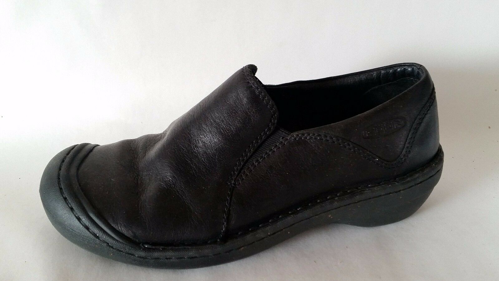 Keen Black Womens 6.5 M Leather Slip On Clogs Casual Walking shoes Loafers Work