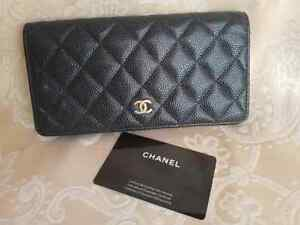 281cea09d8 Caricamento dell'immagine in corso Authentic-CHANEL-Caviar -Quilted-Wallet-Black-with-Gold-