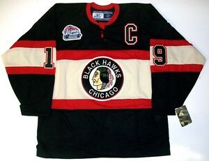 uk availability 3e16c ccafe Details about JONATHAN TOEWS CHICAGO BLACKHAWKS 2009 WINTER CLASSIC RBK  JERSEY WRIGLEY FIELD