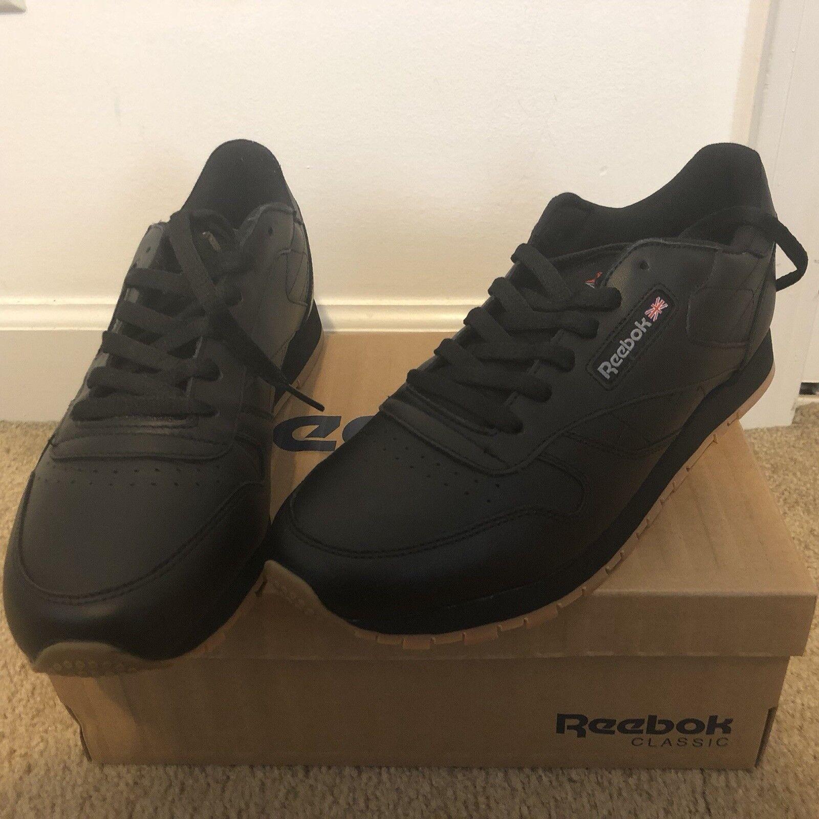 Reebok classic shoes women. Leather.