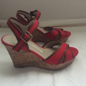 65698c831e65 NWOB Women s DANA BUCHMAN Red and Brown Wedge Slip On Sandals Shoes ...