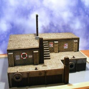 Reality-In-Scale-35160-The-Old-Harbour-1-35-scale-resin-diorama-model-kit