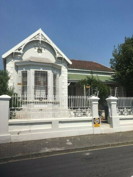 OBS STUDENT HOUSE 4 ROOMS LEFT R3 000-R4 800