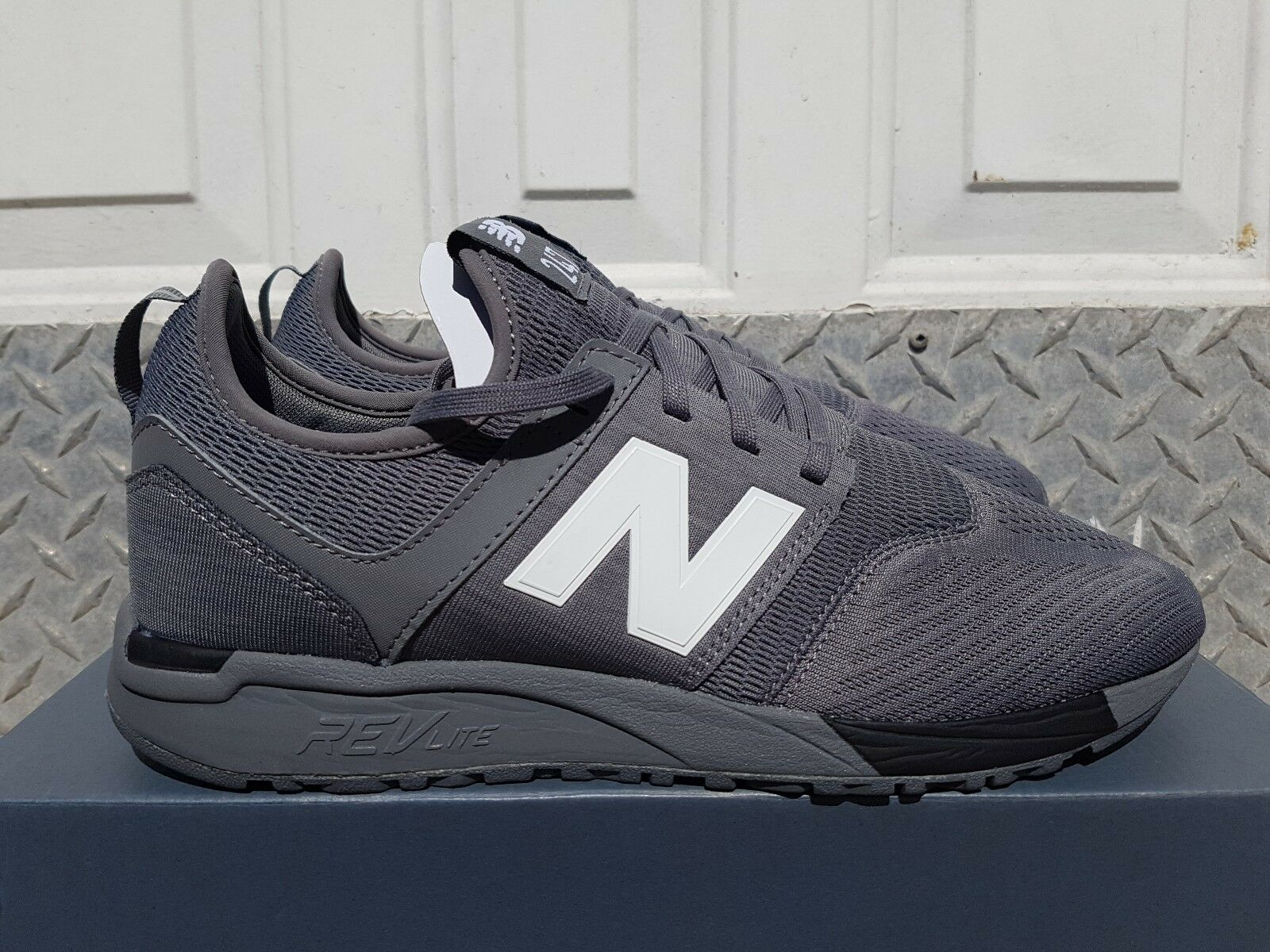 NEW IN THE BOX NEW BALANCE MRL247CB LIFESTYLE FOR MEN