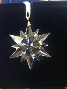 e0396fe17 Image is loading SWAROVSKI-2017-ANNUAL-LITTLE-STAR-ORNAMENT-5257592-Brand-