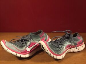 new products 0807d 40afb Image is loading Nike-Free-5-0-Flyknit-Pink-Gray-Running-