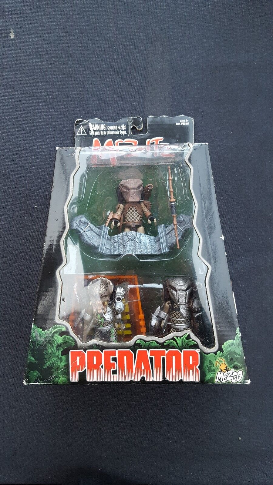 Mez-Itz Predator Figures 3 Piece Box Set Mezco BNIB Mini Action Figures