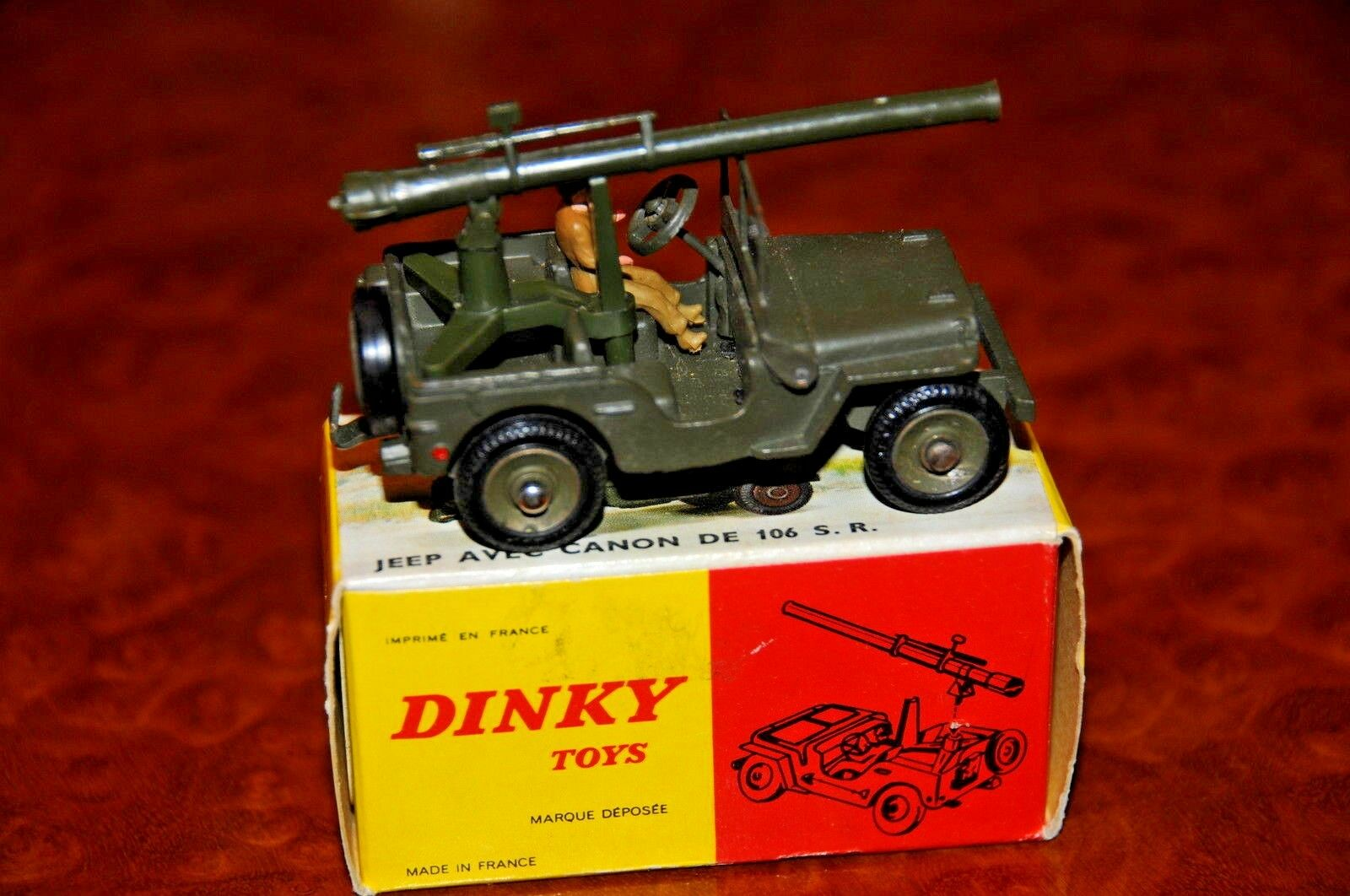 Vintage Dinky Toys   MIB   WW II Jeep   Liberation de Paris   No. 829