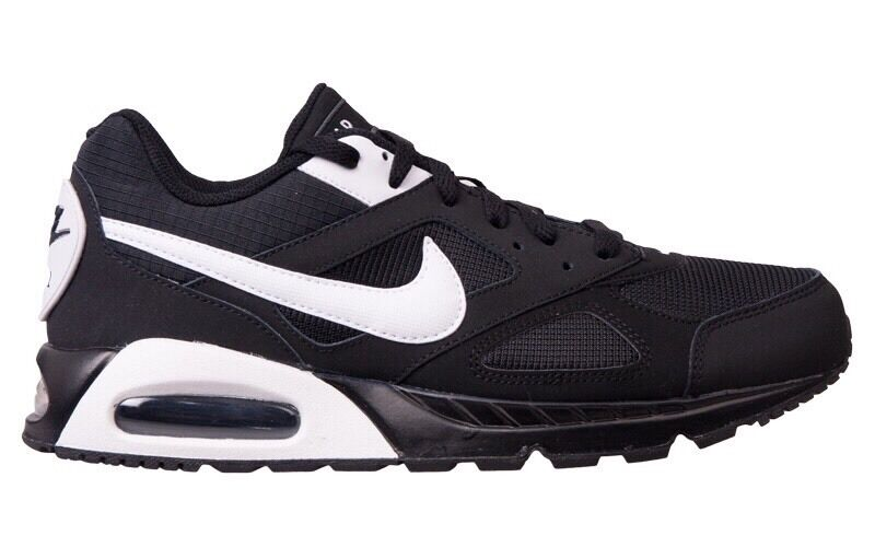 Nike Air Max Ivo Mens Trainers Multiple Größes Brand New