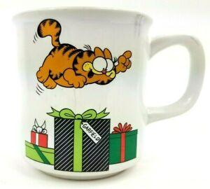 Enesco 1978 Garfield E-6639 Christmas Presents Coffee Mug Vintage