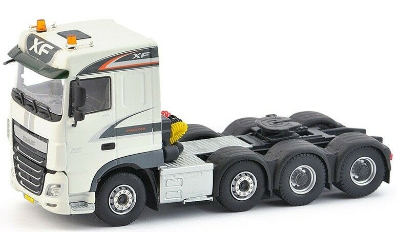 IMC33-0062 - Camion 8x4 DAF Euro 6 Space Cab - 1 50