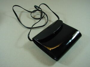 9f1f8b11523a8 Das Bild wird geladen Lacktasche-PICARD -Abendtasche-No-3233-60er-Jahre-Handtasche-