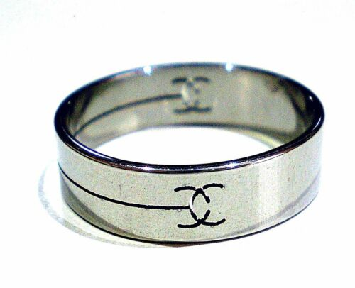 Different Cut Pattern Stainless Steel Band Ring Men/'s Women/'s Various Sizes