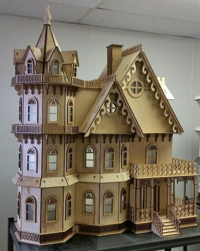 Leon Gothic Victorian Mansion Dollhouse 1:12  Nuovo for 2015