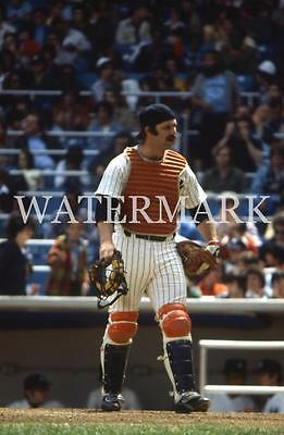 AI407 Thurman Munson Yankees Talks To Umpire Baseball 8x10 11x14 16x20 Photo