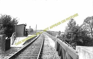4 Lewknor Bridge. Aston Rowant Railway Station Photo Chinnor
