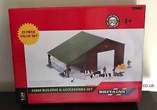 43139A1 BRITAINS FARM 1/32 SCALE FARM BUILDING AND ACCESSORIES 23 PIECE SET