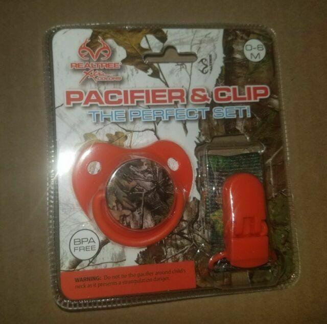 New Realtree Camouflage Orthodontic BPA Free Pacifier and Lanyard Clip Set Pink