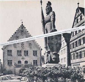 Bad Mergentheim - Rathaus mit Marktplatz und Brunnen - um 1965 -         R 1-2