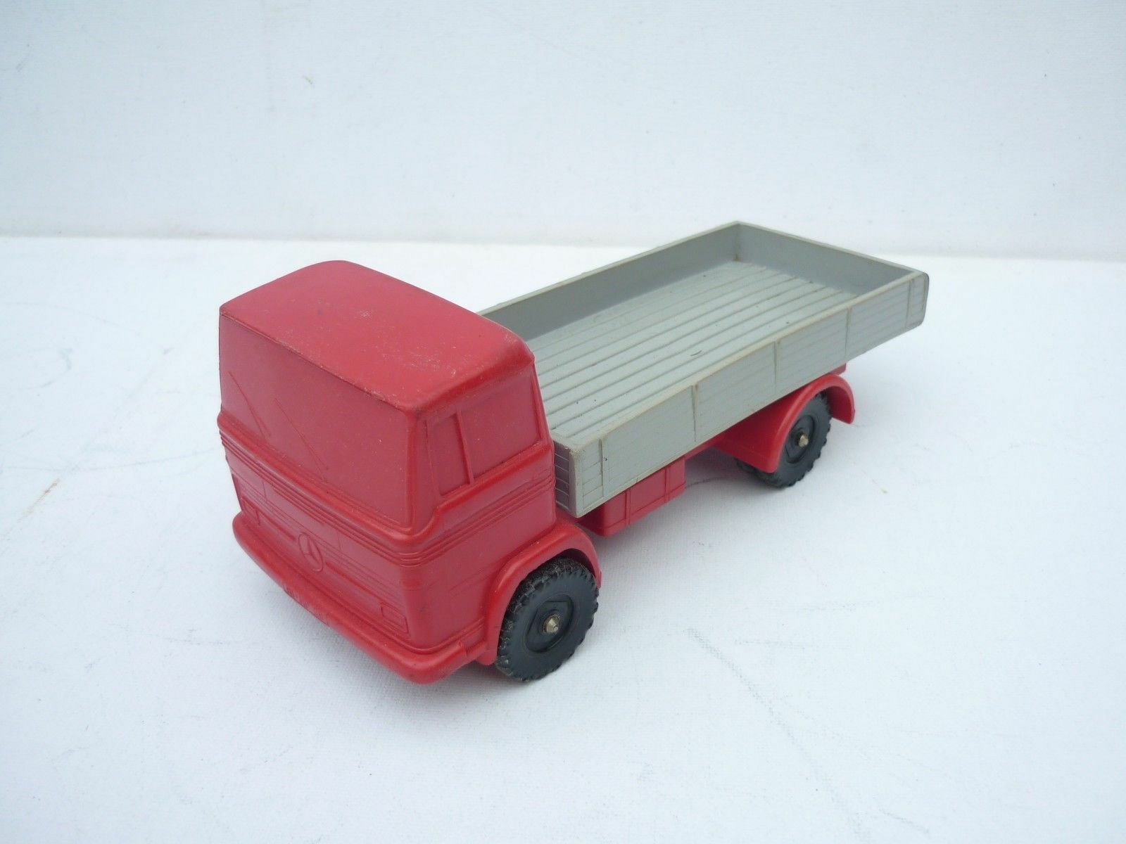 PN TOYS GERMANY MERCEDES BENZ PLASTIC RUBBER KIPPER ABOUT 1 24 DIECAST RARE