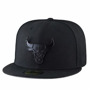 RARE-New-Era-CHICAGO-BULLS-Fitted-Hat-BLACK-METAL-BADGE-REGULAR-Visor