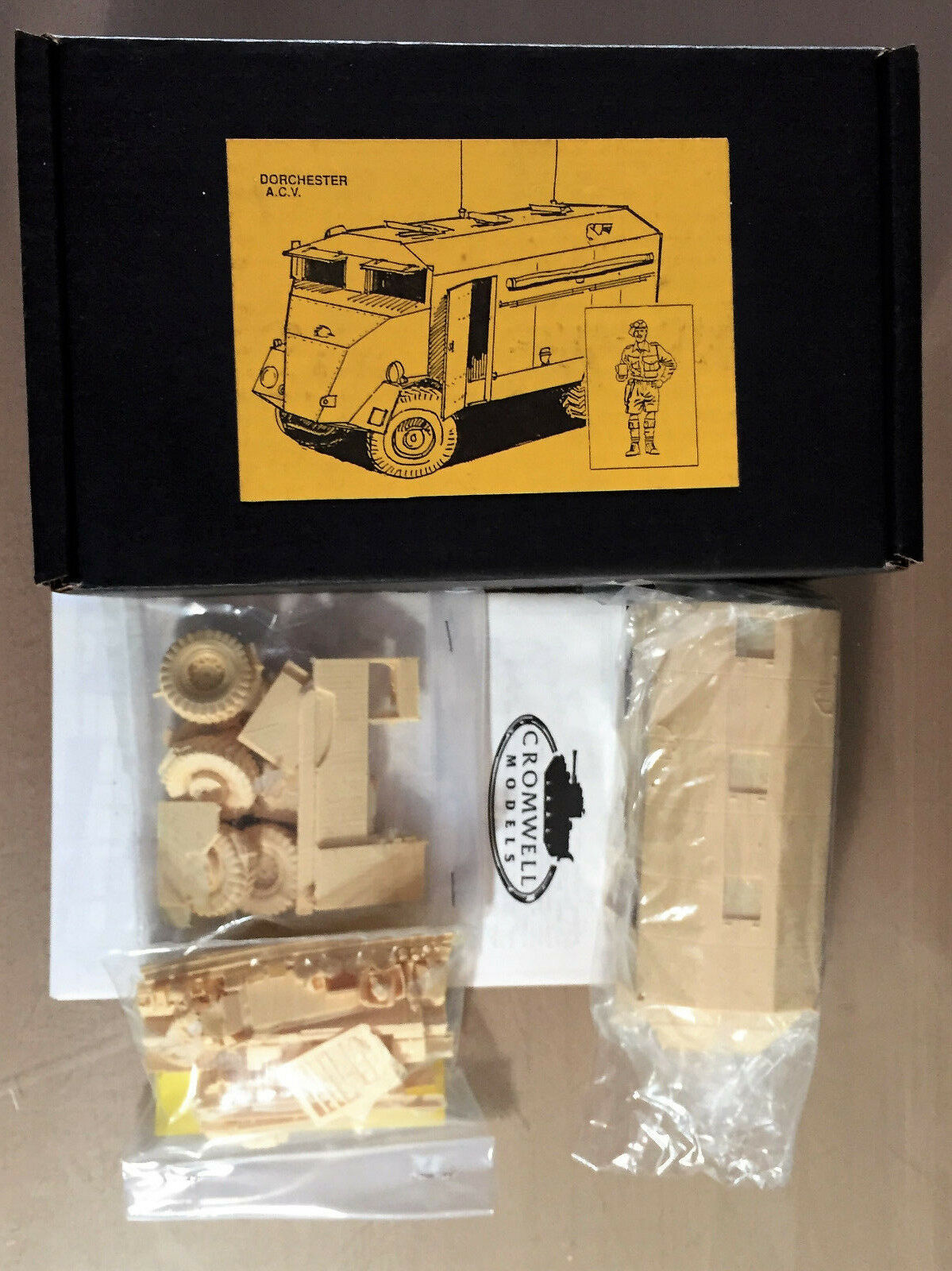 CROMWELL PRODUCTIONS - DORCHESTER A.C.V. BRITISH WWII - 1 35 RESIN KIT
