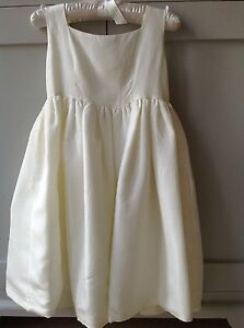 VERY-PRETTY-BRIDES-MAID-DRESS-FOR-GIRLS-SIZE-4-YEARS