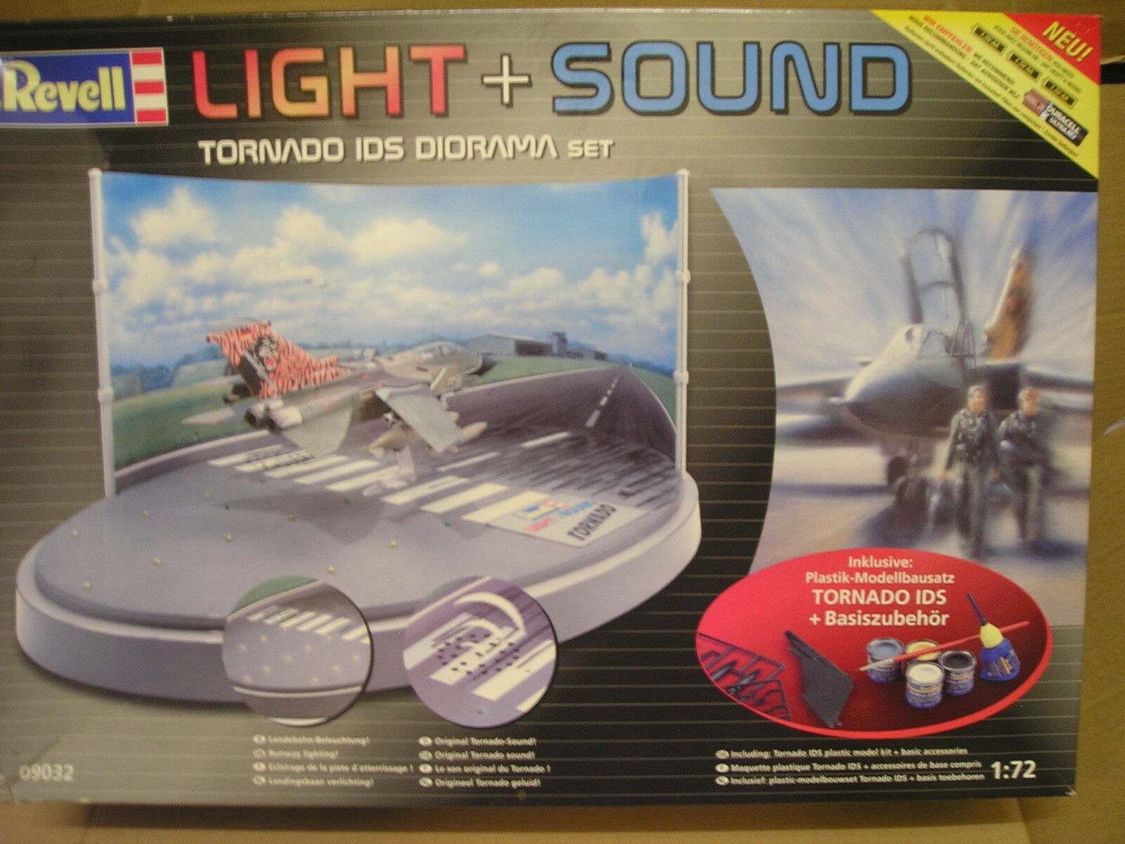 Revell No.09032  Light & Sound Tornado IDS Diorama Set  1 72 scale.