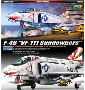 1 48 F-4B VF-111 SUNDOWNERS   Academy model kit