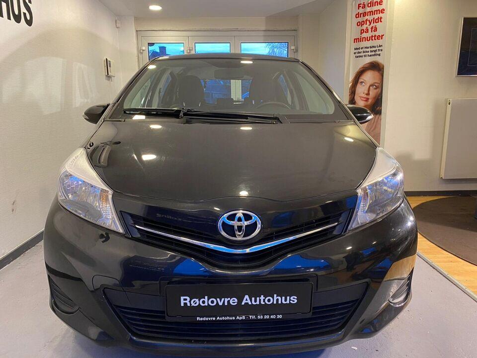 Toyota Yaris 1,3 VVT-i T2 Touch Benzin modelår 2011 km