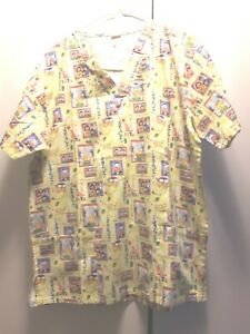 Scrubs-Womans-Small-Top-Family-pattern-Short-Sleeves