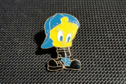 Tweety Comic Pin mit Baseball Cap 18x24mm