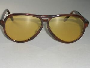 977473db9d 1960 s BAUSCH   LOMB RAY-BAN SHINY TORT AMBERMATIC VAGABOND AVIATOR ...