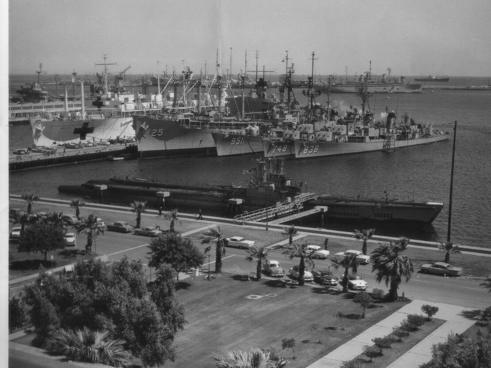 TONKIN GULF YACHT CLUB PATCH VIETNAM USS BB CA CC CG CGN CL CLG DD DDG DE DER DL