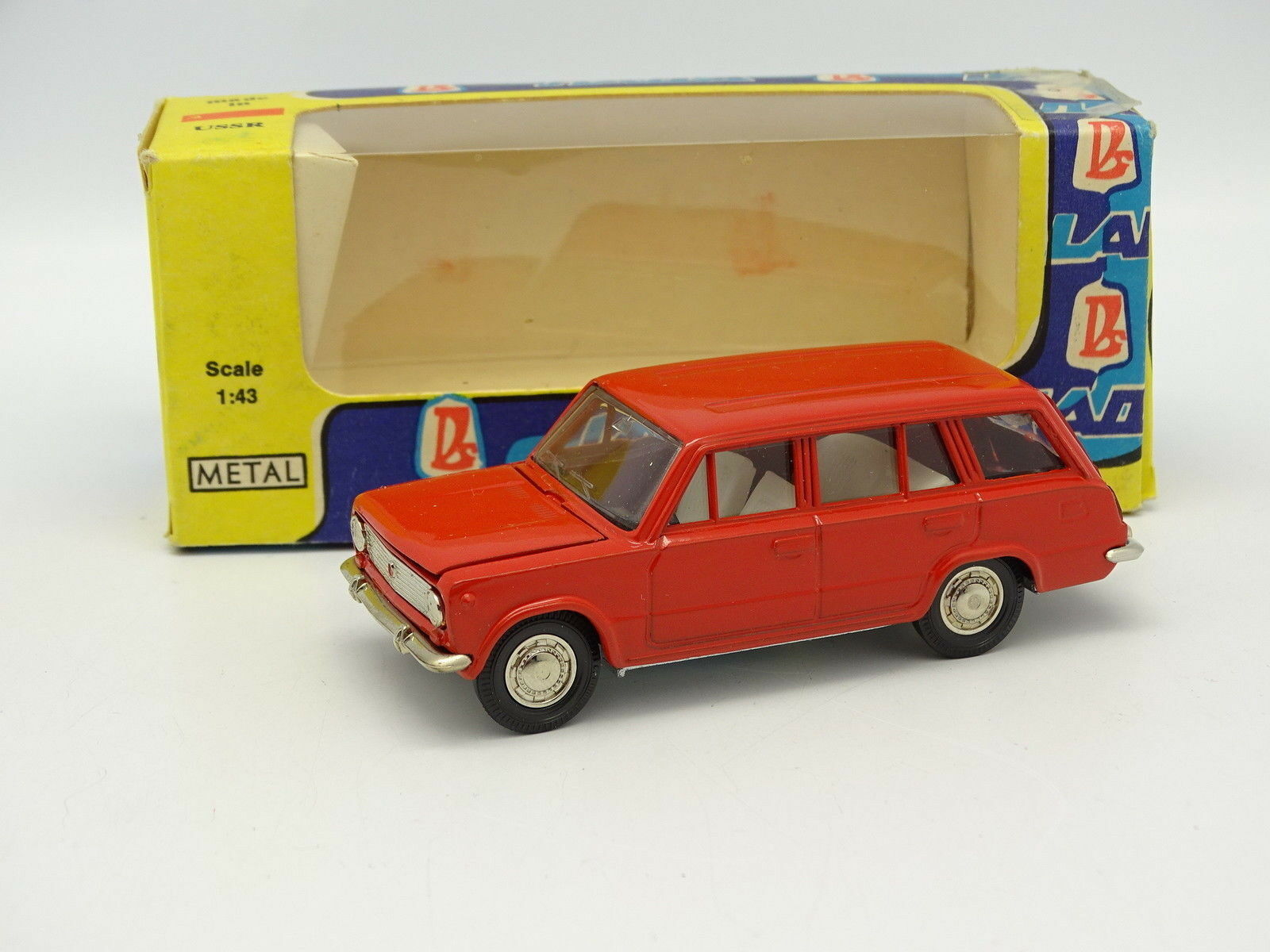 Russie 1 43 - Moskvitch Lada 2102 Break red A11 A11 A11 e10582
