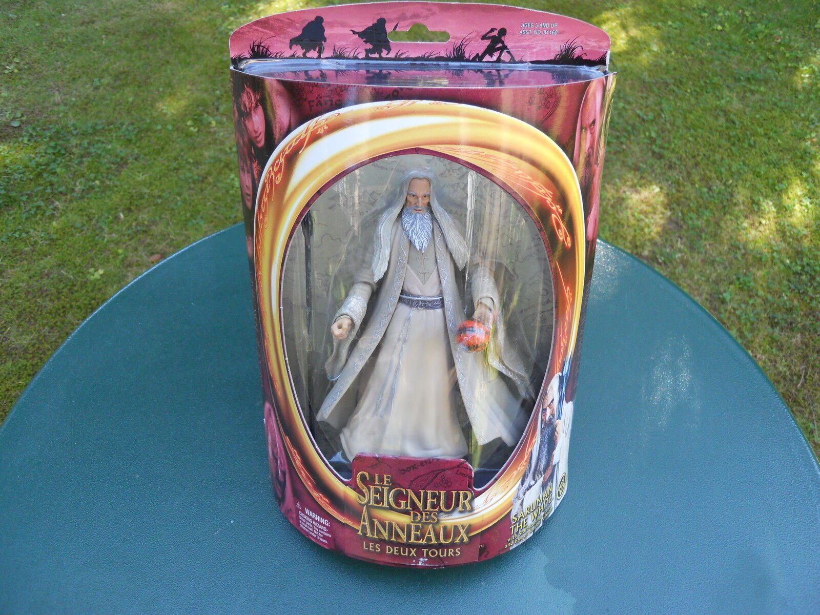 LORD OF THE RINGS LORD OF THE RINGS   SARUMAN THE WHITE   MINT IN BOX