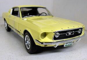 Autoworld échelle 1/18 Amm1038 / 06 1967 Ford Mustang Gt 2 Yello miniature de voiture modèle 849398005200