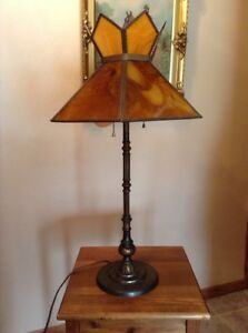 Antique-amber-slag-stained-glass-26-034-cast-iron-heavy-table-lamp-Art-Deco